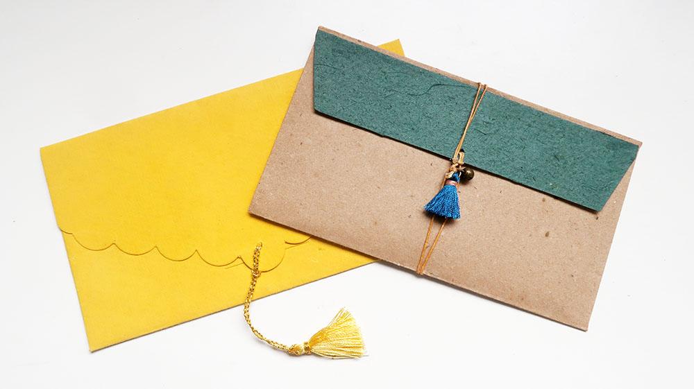 タッセルフリンジの使い方-封筒の封リボンに。