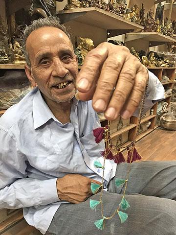 インドのタッセル作り職人ラム・スワループ氏